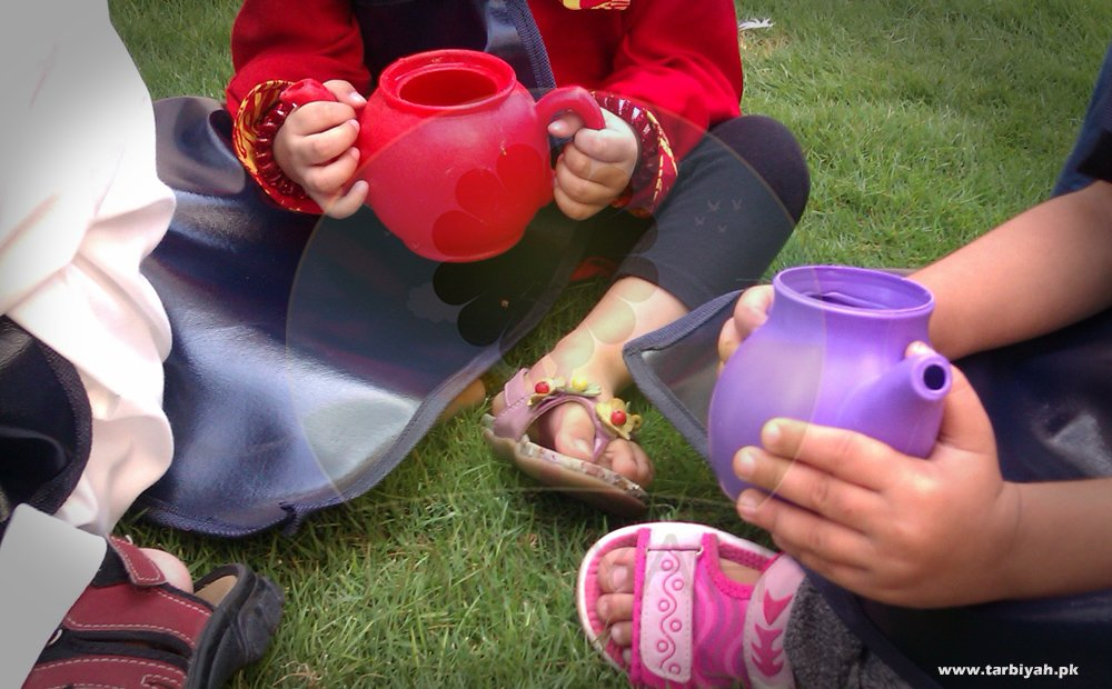 Gardening pots with children